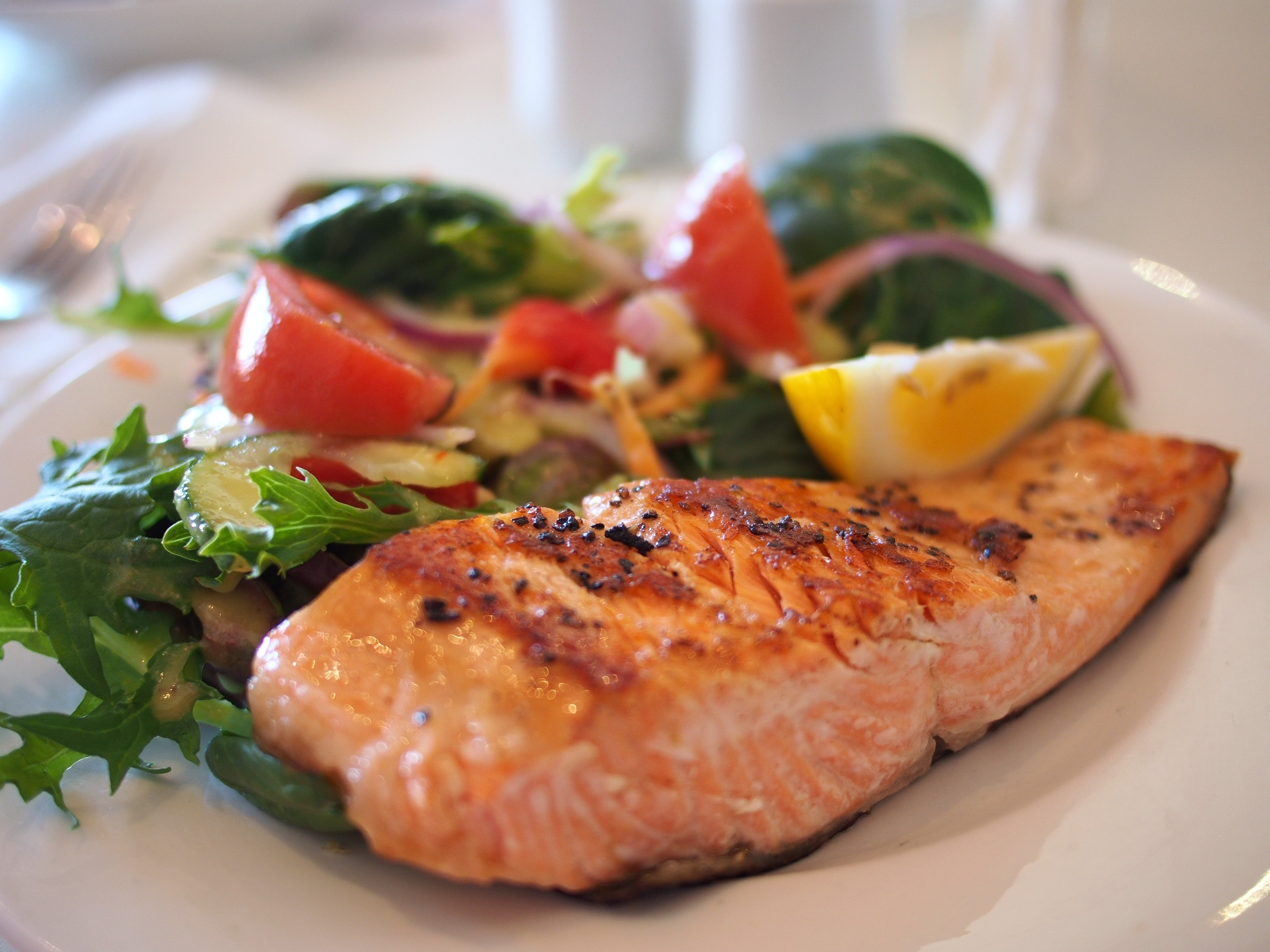 salmon_and_salad