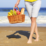 10 Healthy Beach Snacks That Travel Well (Plus 5 to Avoid at All Costs!)
